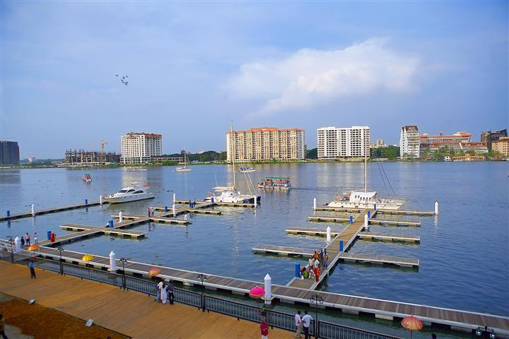 Kochi International Marina